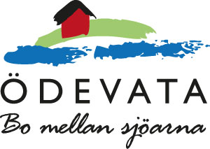Logo with a red house on a green bow and two blue lakes and text Ödevata